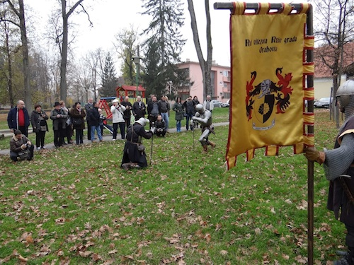 A medieval show before dinner